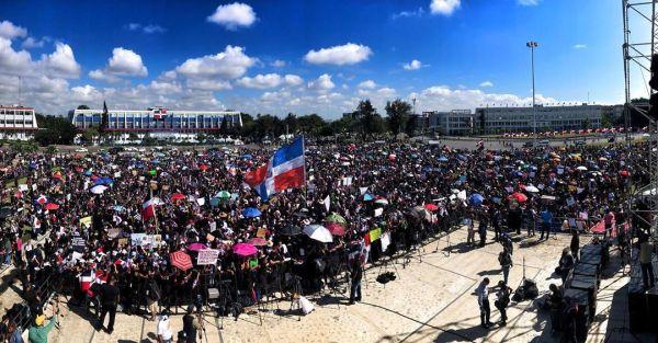 Photo of Transparencia, sanciones y dignidad exigen los miles de manifestantes del «Trabucazo 2020»