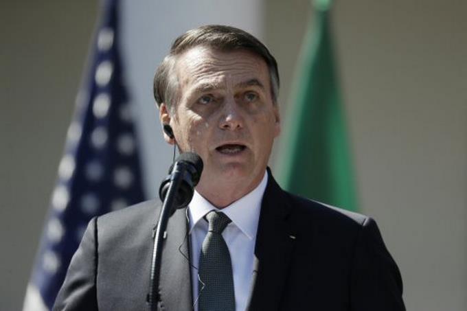 Photo of Bolsonaro invita al empresariado a boicotear a la «prensa podrida» de Brasil