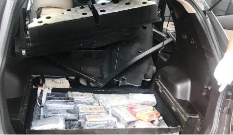 Photo of LA VEGA: La Policía ocupa 35 kilos de cocaína; detiene a dos personas