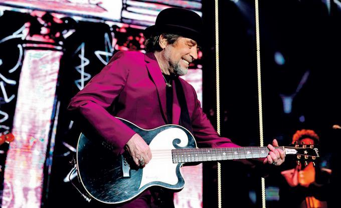 Photo of Joaquín Sabina, «estable» tras ser intervenido de un hematoma intracraneal