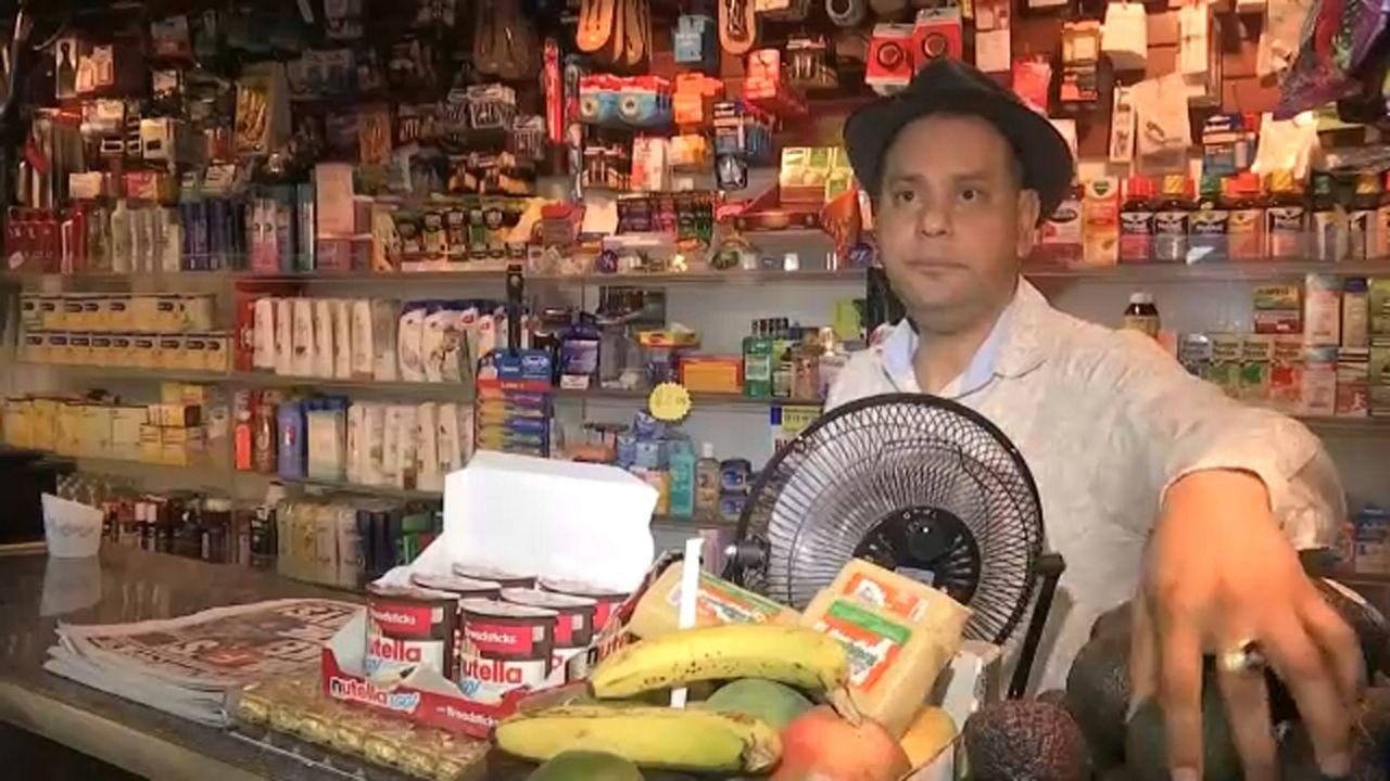 Photo of Bodegueros de NY condenan ataques a policías en El Bronx