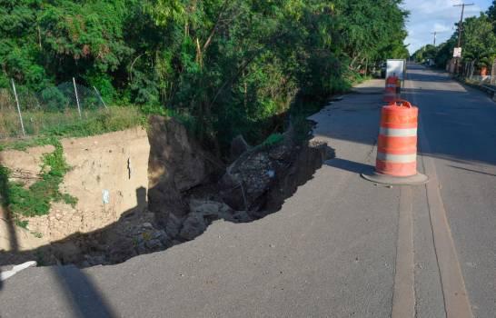 Photo of Comunidades esperan que le reparen carretera