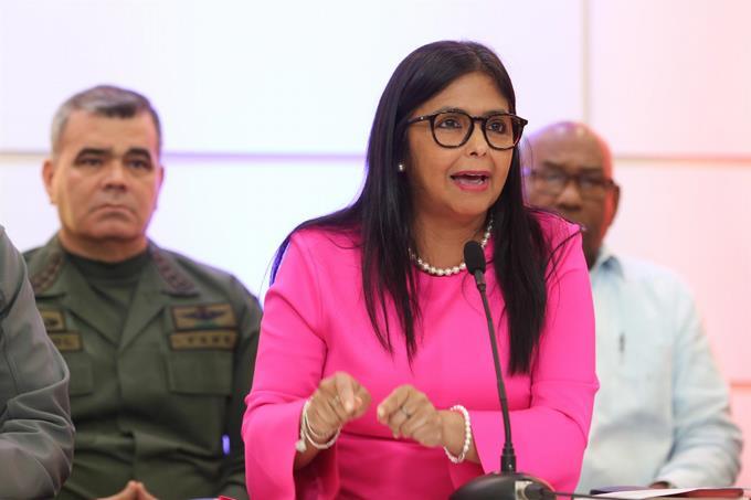 Photo of Delcy Rodríguez acusa a Guaidó de perseguir sus intereses y de ser un «traidor a la patria»