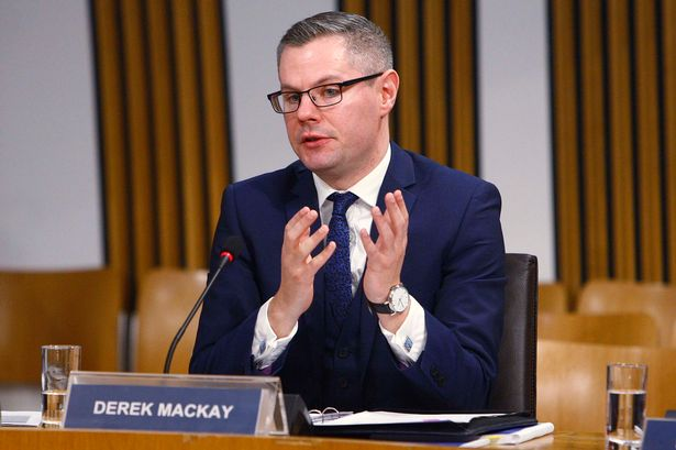 Photo of Renuncia ministro que acosó menor en Escocia
