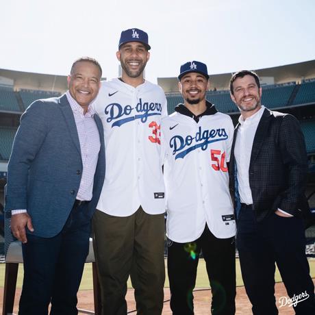 Photo of Dodgers presentan a Betts y Price antes de viajar a Arizona