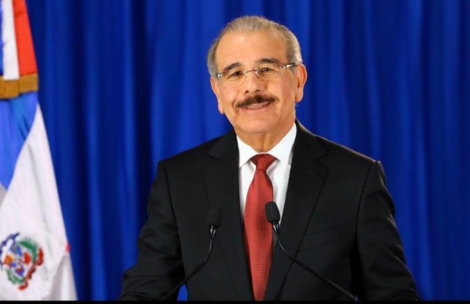 Photo of El presidente Medina llama a la población a mantener la tranquilidad y la convivencia pacífica