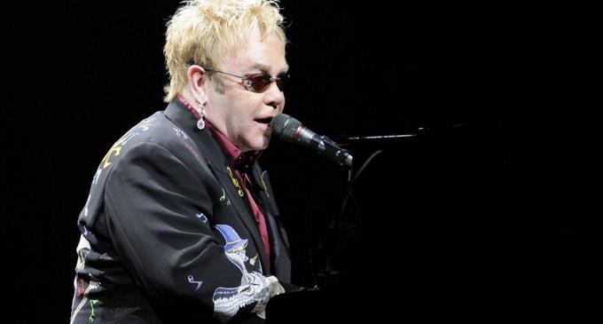 Photo of Elton John suspende un concierto en Nueva Zelanda al quedarse sin voz