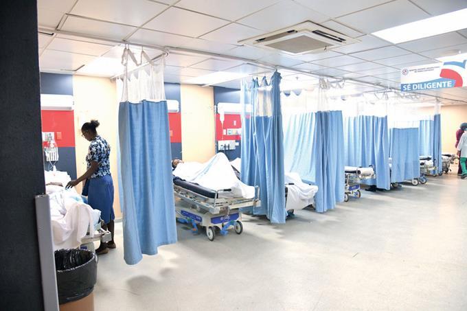 Photo of Líder de los médicos afirma que hay pocos avances en sector salud