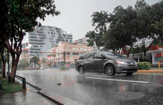 Photo of Este lunes seguirán las lluvias de forma moderada