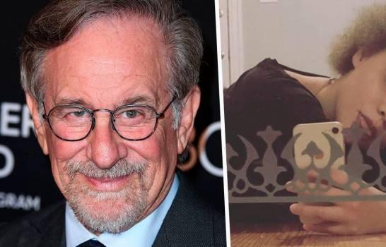 """Photo of """"Avergonzado y preocupado""""; Steven Spielberg reacciona a la decisión de su hija de dedicarse al porno"""