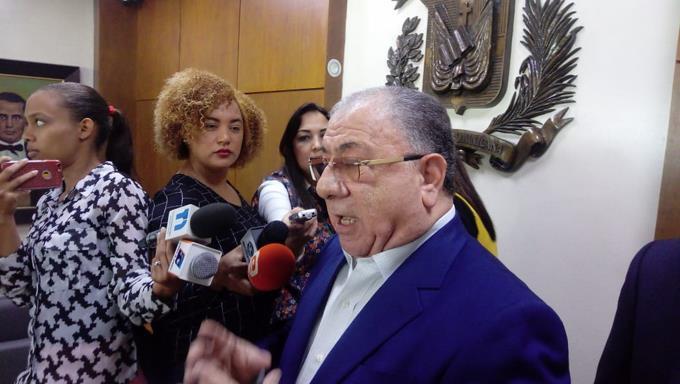 Photo of Monchy Fadul considera excesiva sugerencia de suspensión de ayudas sociales antes de elecciones