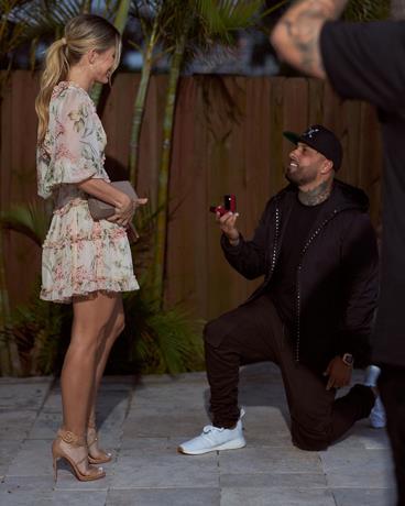 Photo of Nicky Jam le pide matrimonio a su novia el día de San Valentín