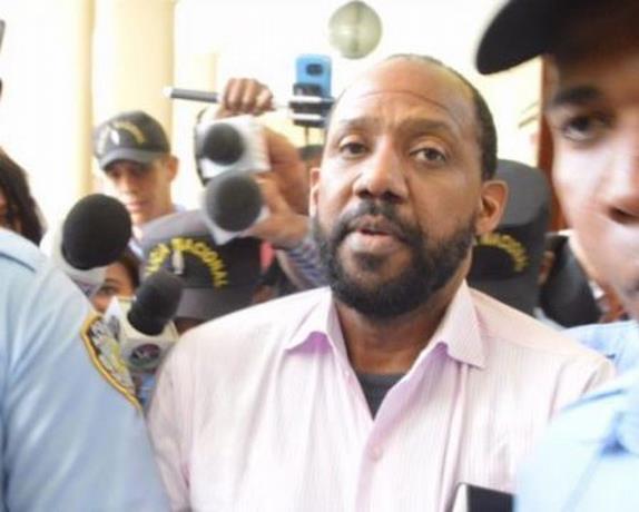 Photo of Pablo Ross quiere se anule sentencia de 10 años de prisión por incesto
