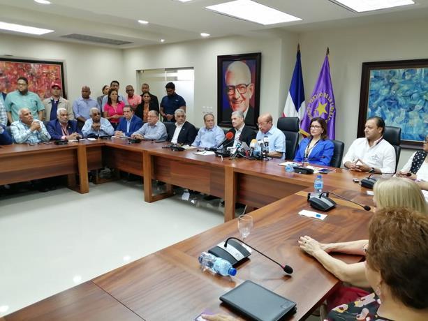 Photo of PLD acusa a Luis Abinader de presionar al presidente de la JCE para suspender elecciones