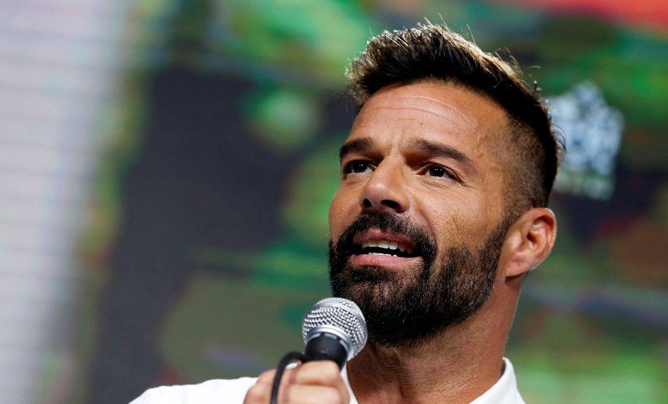 Photo of Ricky Martin invita a los dominicanos a salir a la calle a reclamar lo que es básico