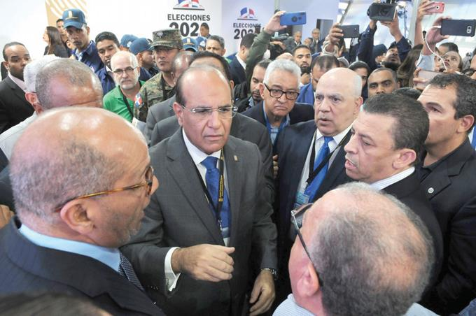 Photo of Todavía no hay mediadores para crisis electoral