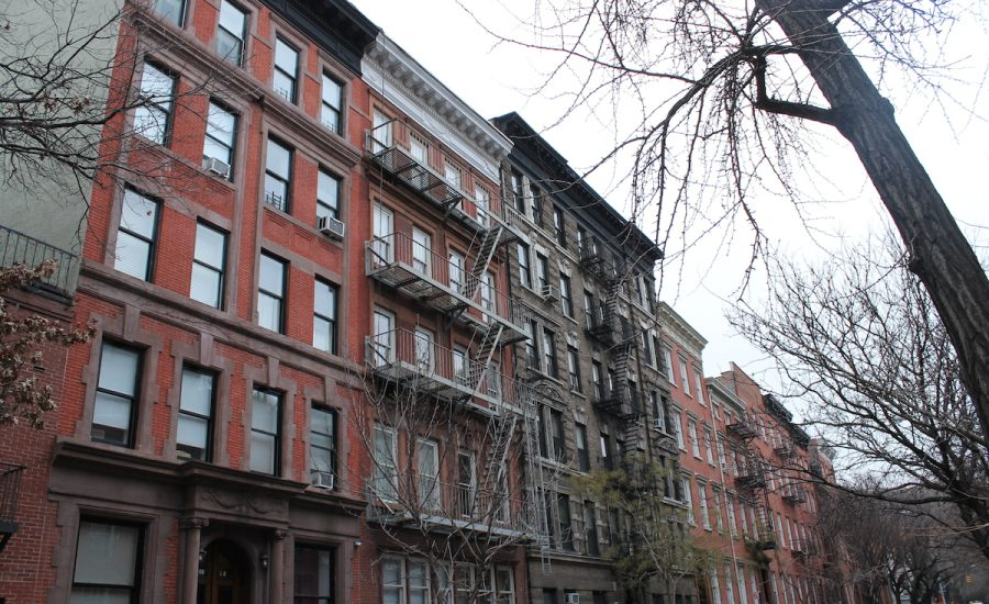 Photo of Nueva York prohíbe que se cobren comisiones por alquileres de casas