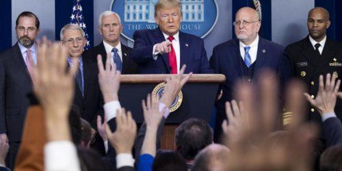 Photo of Trump confirma primera muerte por coronavirus en los Estados Unidos