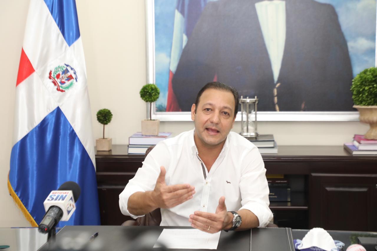 Photo of Alcalde Abel Martínez pide a Comisión de Alto Nivel aislamiento de Santiago