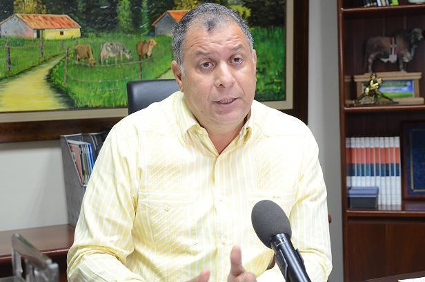 Photo of Director Conaleche resalta respaldo del Gobierno a sector ganadero
