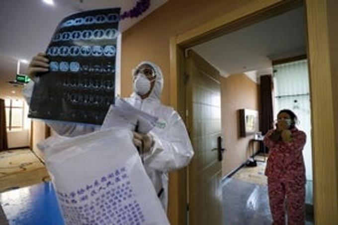 Photo of En cuarentena mil personas en Nueva York por sospecha de coronavirus