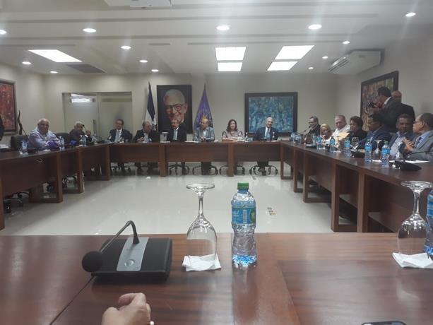 Photo of Comité Político del PLD decide candidaturas reservadas a nivel congresual