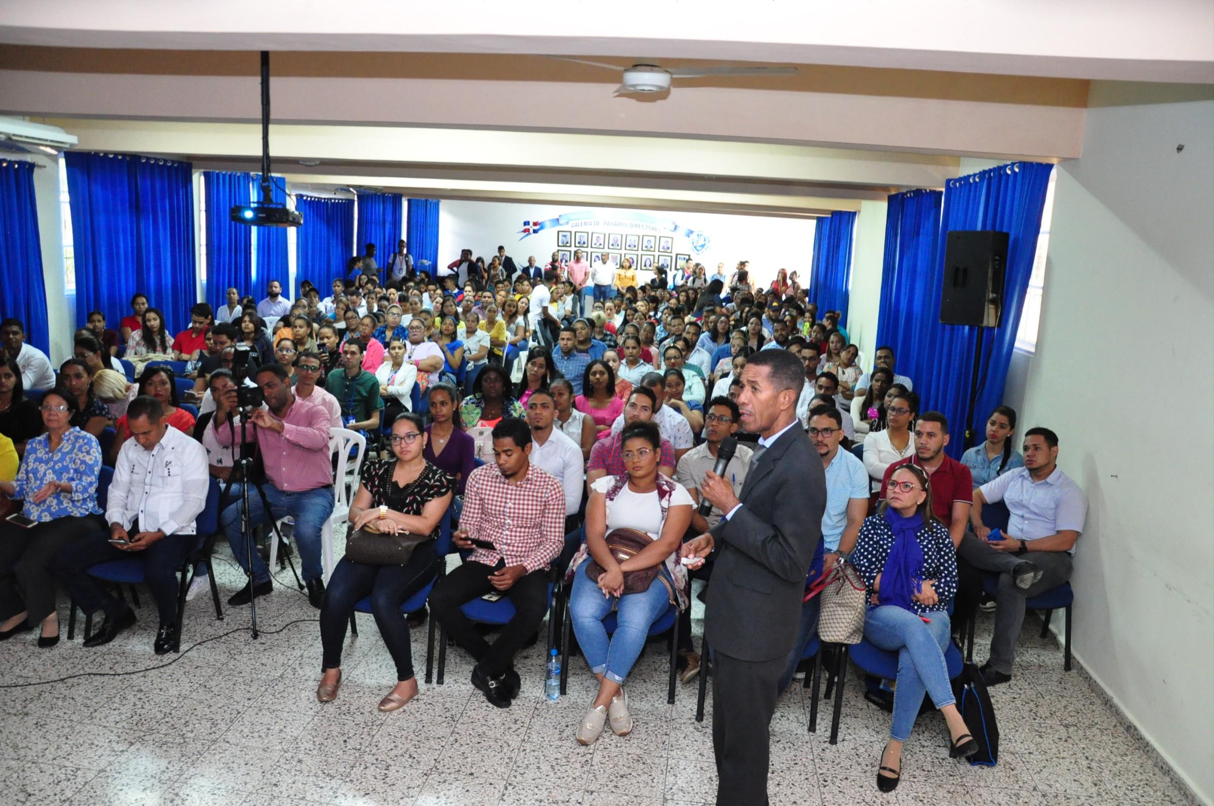 """Photo of UASD SFM dicta conferencia """"Coronavirus una Amenaza Mundial"""""""