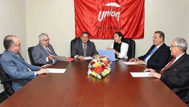 Photo of Garantizan más de 1,000 farmacias seguirán brindando servicios en RD