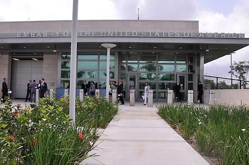 Photo of Embajada EEUU: Ciudadanos que no salgan inmediatamente de RD se quedarán por tiempo indefinido