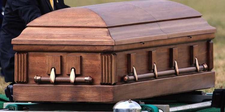 Photo of Funerarias NYC solo aceptan 10 personas durante velatorio