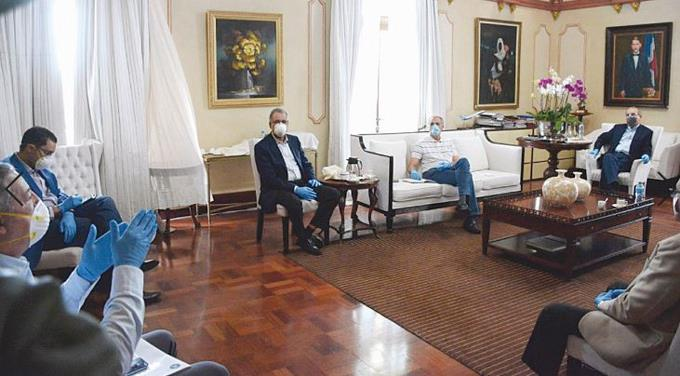 Photo of Gobierno cierra dos ministerios y otras 57 instituciones por el coronavirus
