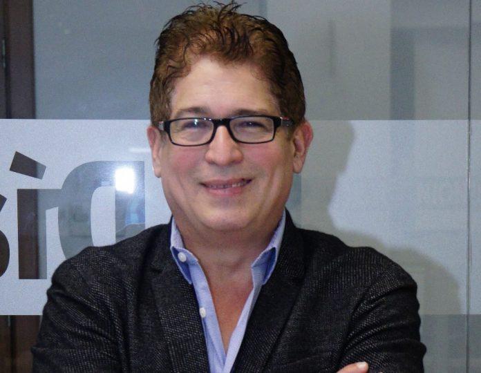 Photo of Iván Ruiz: «El Show del Mediodía va al aire porque se necesita información veraz»