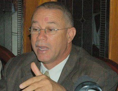 Photo of Familiares de exgobernador José Izquierdo dicen estado de salud es delicado