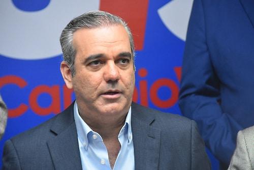 Photo of Luis Abinader dice ataques a la OyM es «política sucia», y asegura buscan solución para los estudiantes