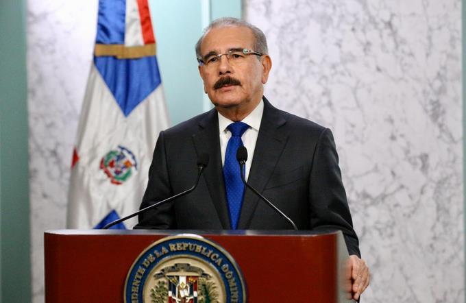 Photo of La súplica del presidente Medina: «Quédense en casa»