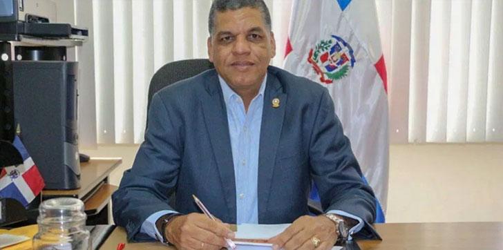 Photo of Diputado del Parlacen pide al gobierno ampliar toque de queda a 24 horas en la provincia Duarte