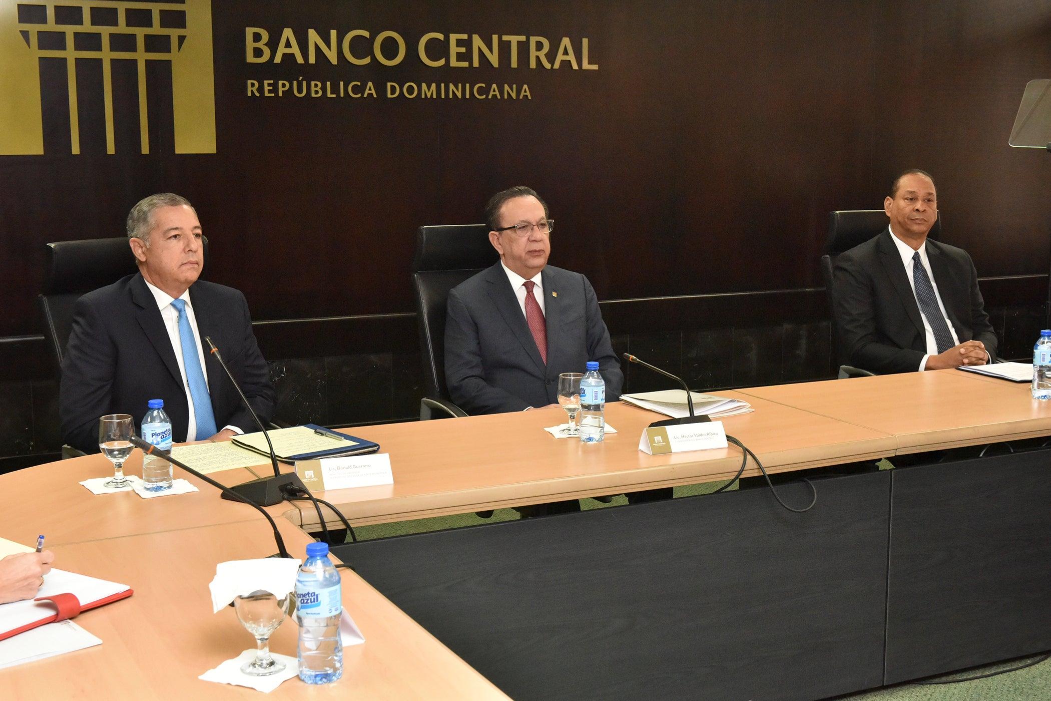Photo of JM autoriza bancos a reajustar pago de préstamos a clientes