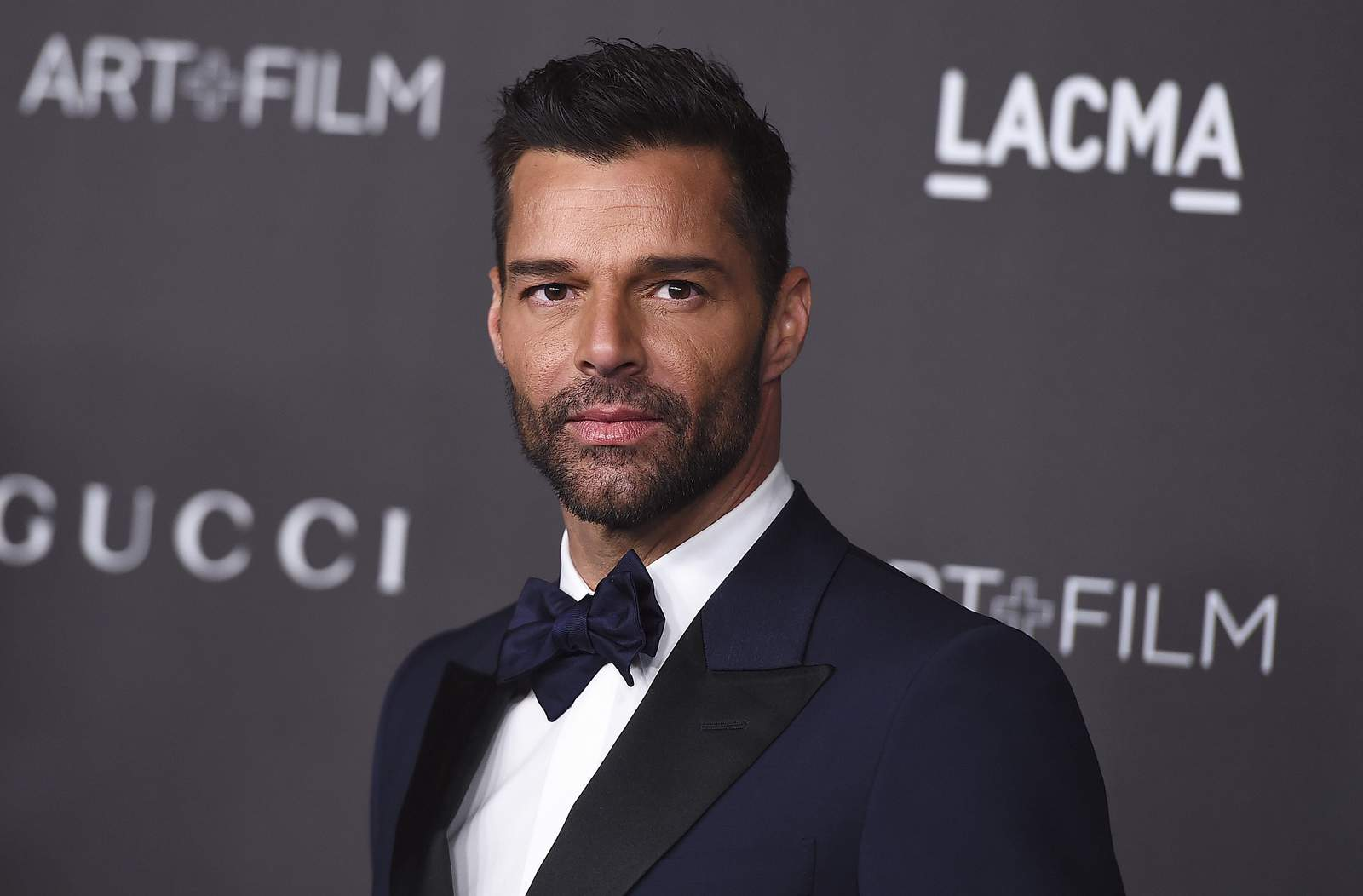 Photo of Ricky Martin: «brutos» e «ignorantes» quienes rechazan aislarse por COVID-19