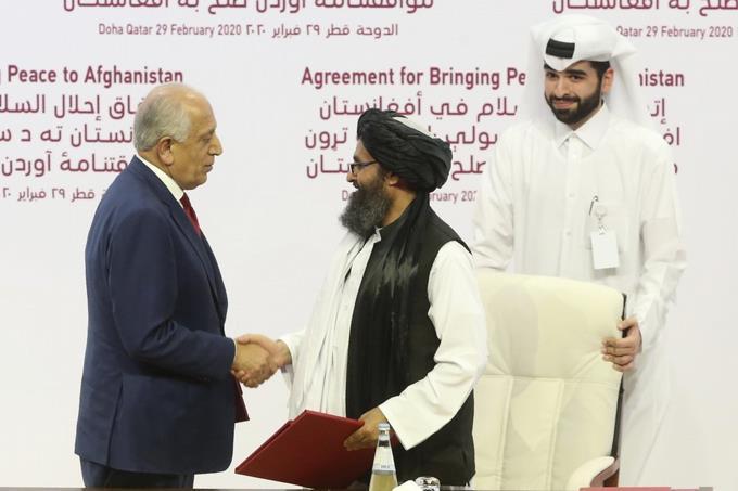 Photo of El histórico acuerdo de paz que firmó los Estados Unidos con los talibanes afganos