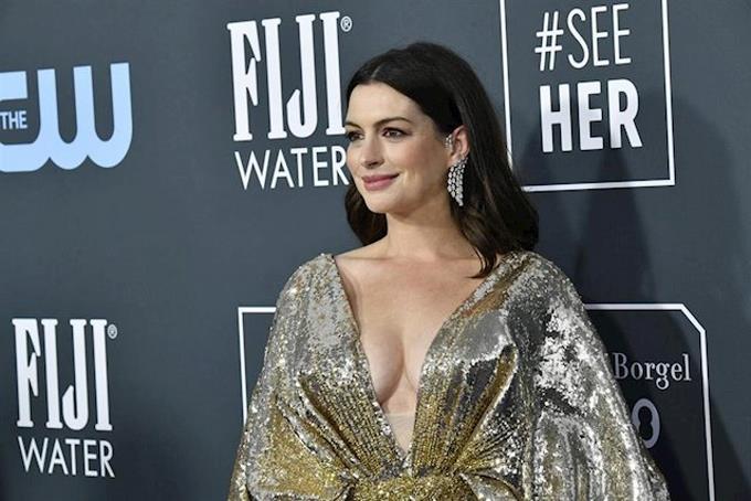 Photo of Anne Hathaway protagonizará la adaptación cinematográfica de 'Cómo ser una mamá cruasán'