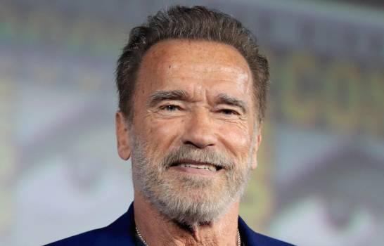 Photo of Arnold Schwarzenegger dona un millón de dólares para materiales médicos por coronavirus