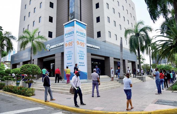 Photo of Bancos amplían las facilidades para el pago de préstamos