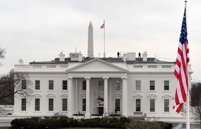 Photo of Casa Blanca, Congreso y el Supremo cierran al público por coronavirus