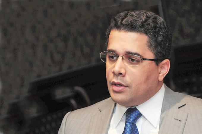 Photo of Collado revela recibió ofertas para candidatura presidencial