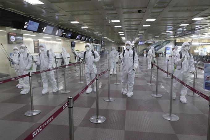 Photo of Los nuevos positivos por coronavirus continúan a la baja en China