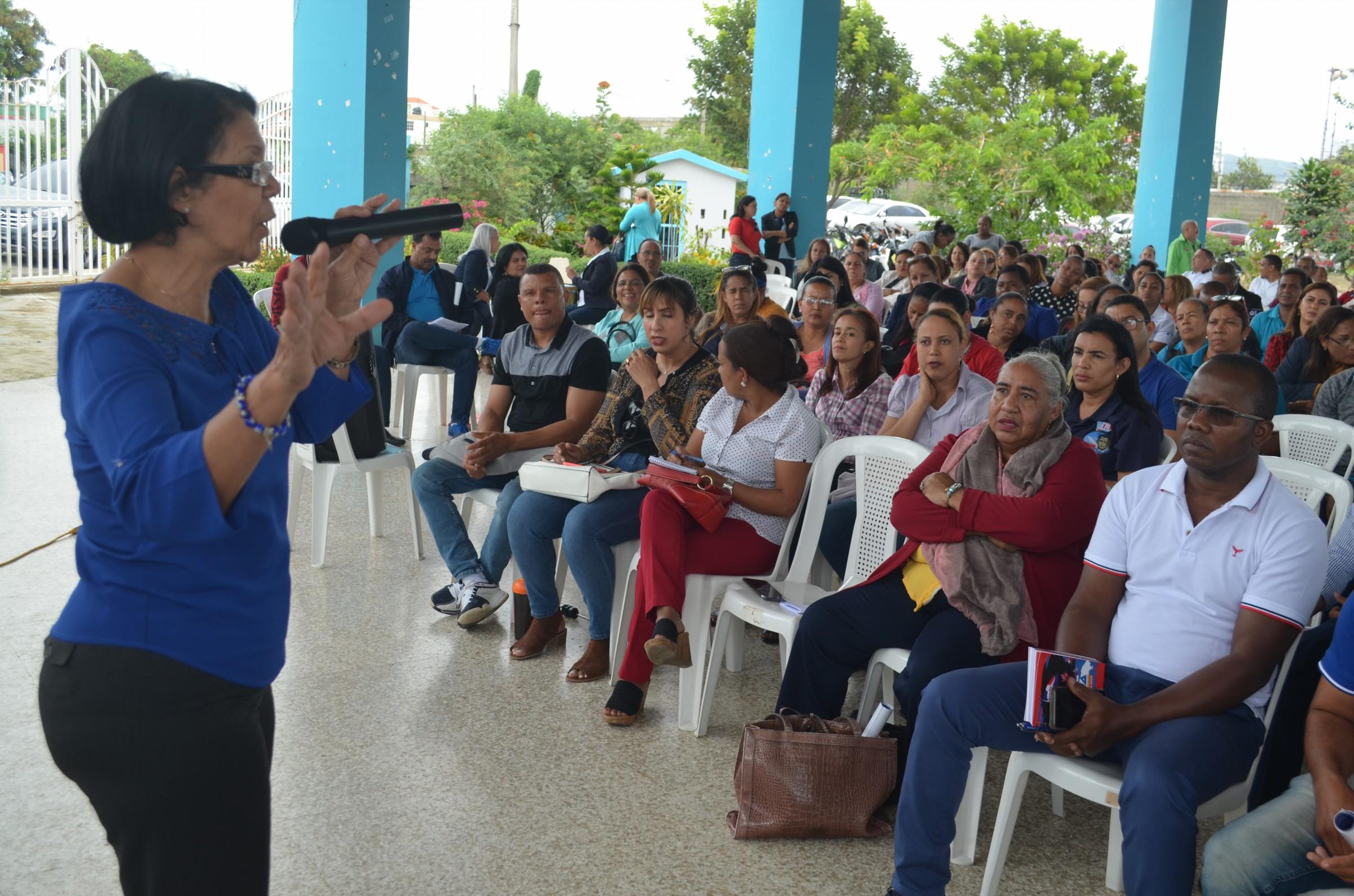 Photo of UCNE, ADP, Regional de educación 07 y UASD orientan directores de centros sobre Coronavirus