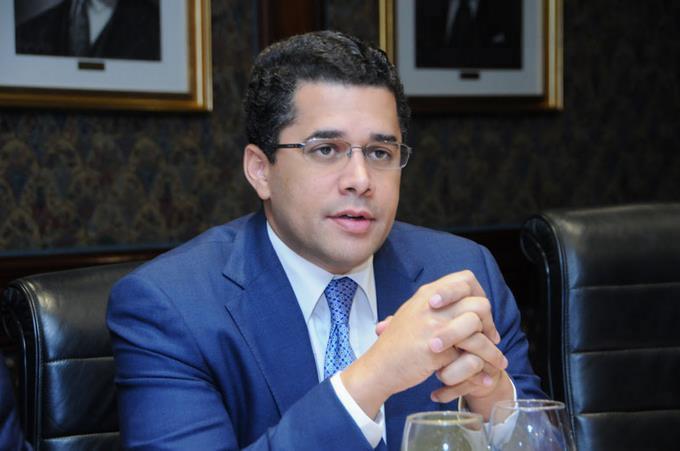 Photo of Collado niega que pidiese ministerios a Luis Abinader para apoyarle como compañero de boleta