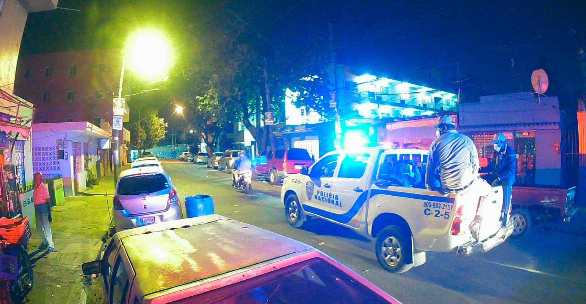 Photo of Mil 714 detenidos por violar toque de queda; la mayoría en el Gran Santo Domingo y Santiago