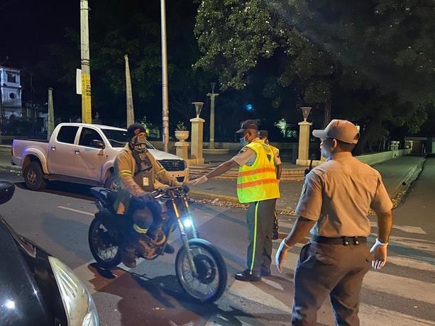 Photo of Ministerio de Salud Pública recomienda continuar el toque de queda