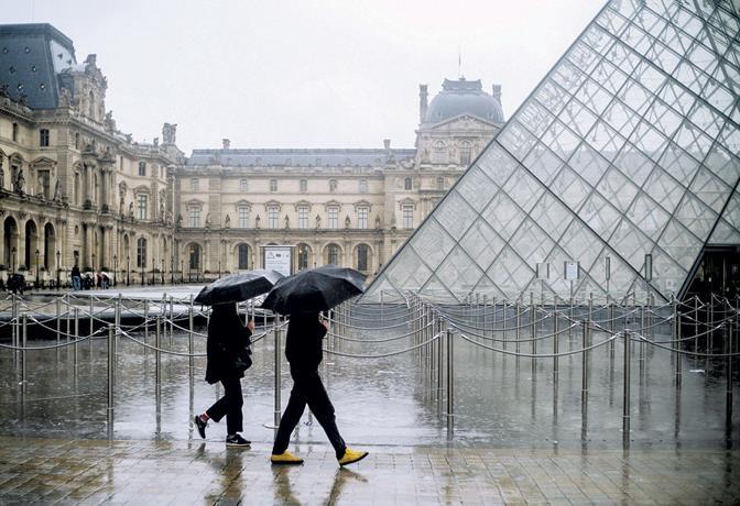Photo of Francia cierra el Louvre por avance del Covid-19